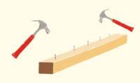 Hammer und Holz