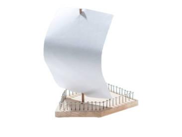 Bau dir Oskars Plusline Holzboot selber zusammen.