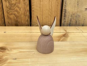 Kleiner Engel aus Holz zum Zusammenstecken und Bemalen.