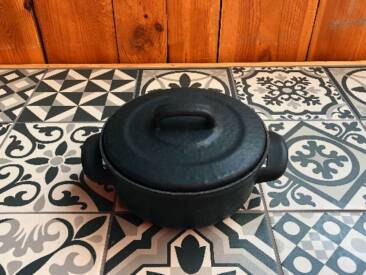 Der Emaille Kochtopf für kleine Mahlzeiten.