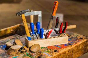 Holz bearbeiten in der Holzwerkstatt in Oskarshausen