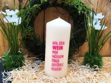 """Große Kerze mit der Botschaft """"Hol den Wein, wir müssen über Gefühle reden"""". Eine tolle Geschenkidee für jede Gelegenheit."""