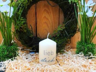 """Kerze mit der Botschaft """"lieb dich!"""". Eine tolle Geschenkidee für jede Gelegenheit."""